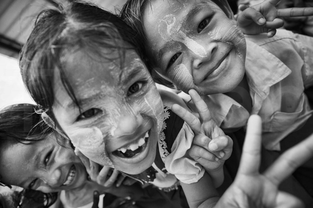 Sourires d'écoliers - Dalah - Myanmar